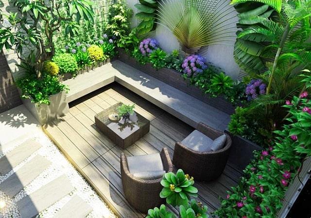 Sân vườn nên bố trí nhiều hoa, cây xanh