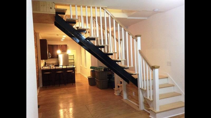 Cách hóa giải phong thủy hướng cửa phòng ngủ đối diện cầu thang