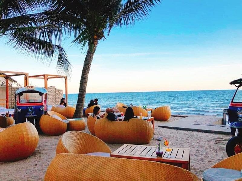 Coffee mang đến cho cư dân không gian thư giãn thoải mái bên bờ biển