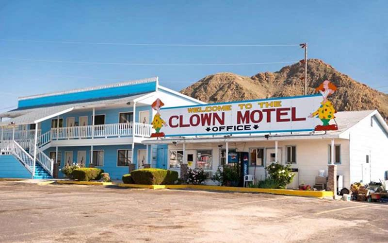 Đặc điểm của motel là gì?
