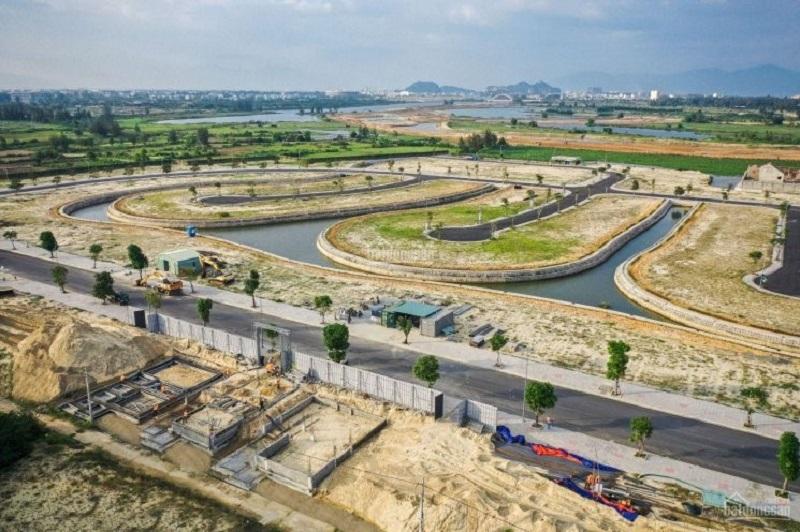 Đất dự án đang trong quá trình thi công xây dựng