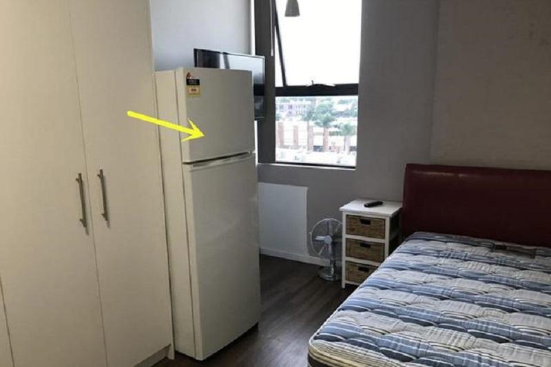 Việc để tủ lạnh trong phòng ngủ có hại không?