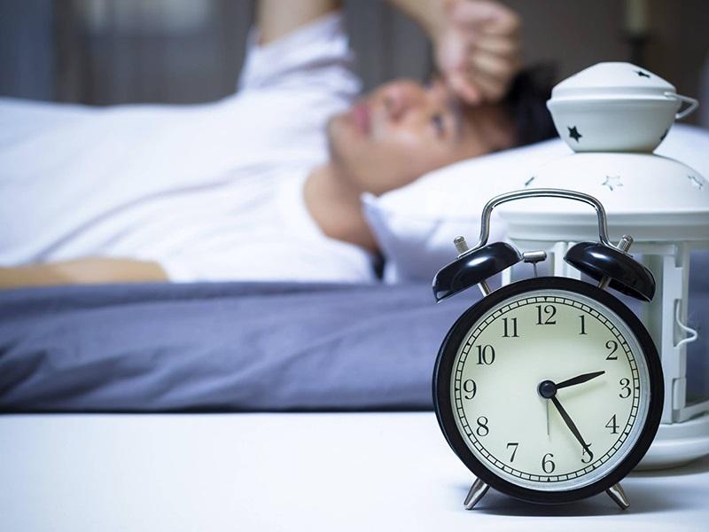 Để wifi trong phòng ngủ gây mất ngủ kéo dài