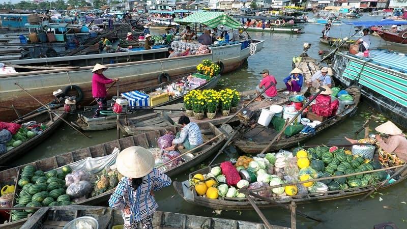 Hình ảnh chợ nổi Cái Răng nhộn nhịp giao thương, buôn bán