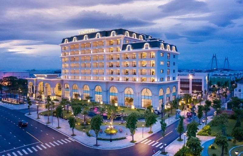 khách sạn lộng lẫy giữa lòng thành phố