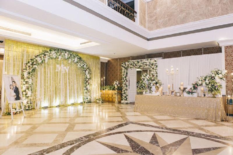 Không gian thiết kế tiệc cưới thông thoáng đủ diện tích để trang trí, sắp xếp toàn bộ đồ dùng cần thiết
