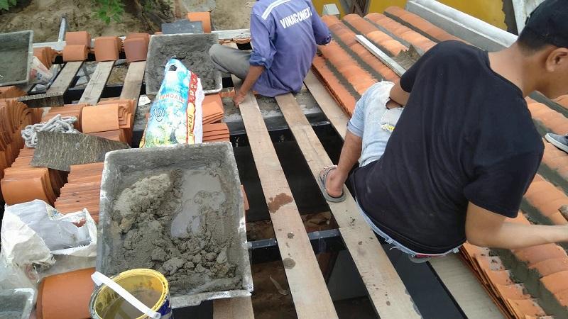 Kỹ thuật lợp ngói âm dương trên mái gỗ