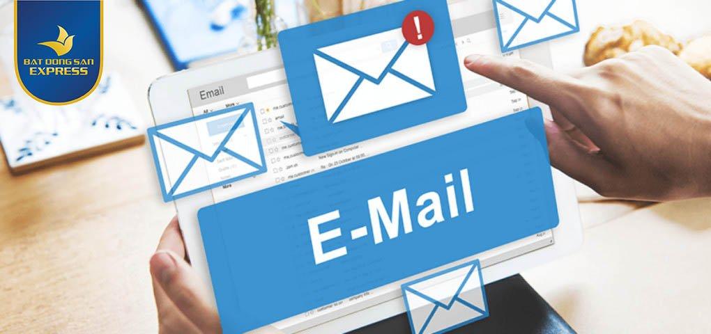Những lợi ích do email khách hàng mang lại là gì?