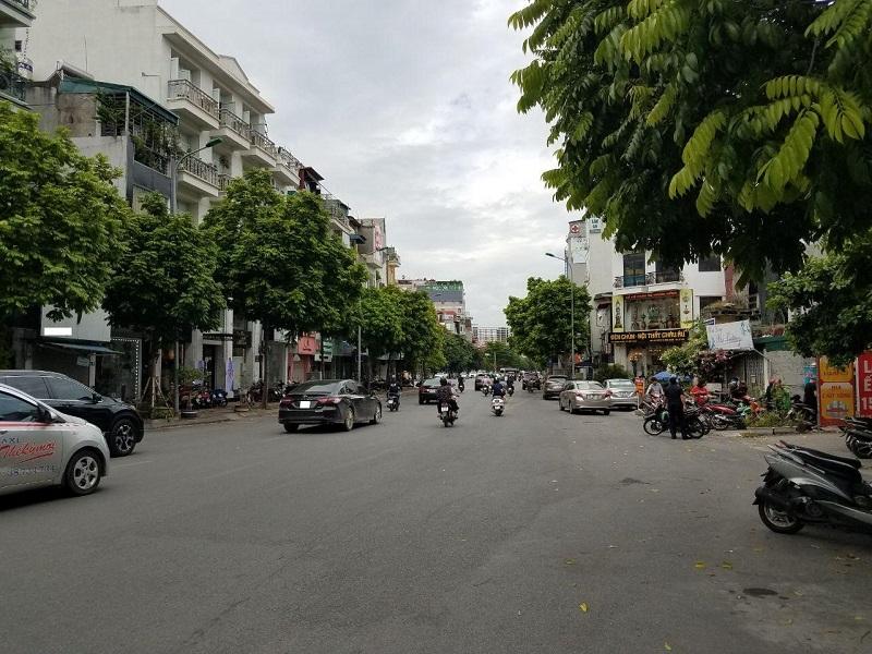 Trục đường chính nối giữa Kim Mã với Trần Phú