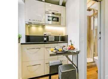 Đặt bếp dựa vào tường nhà vệ sinh, nên hay không ?
