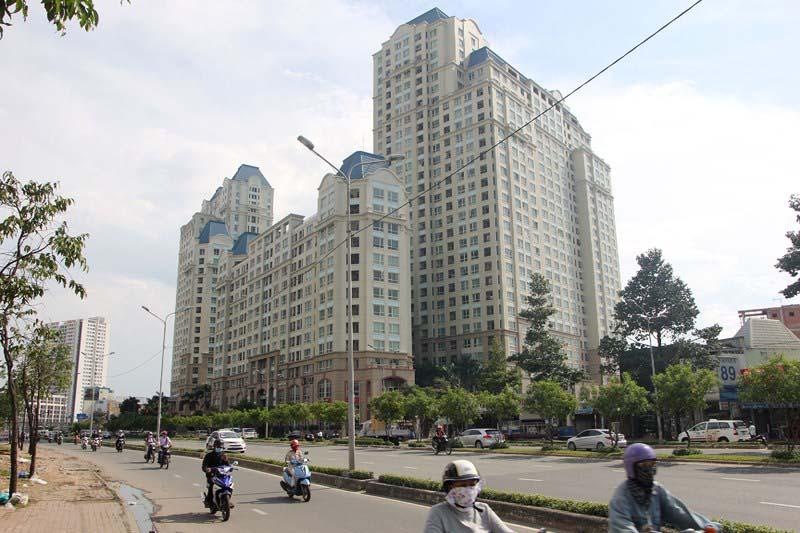 Trục đường Nguyễn Hữu Thọ huyện Bình Chánh và huyện Nhà Bè